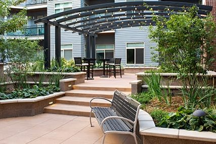 outdoor amenities at Griffis 3100 Pearl apartments in Boulder