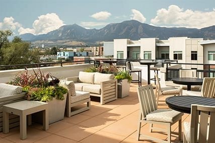 Griffis 3100 Pearl Rooftop Lounge